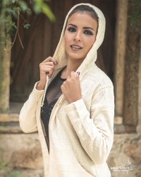 Chaqueta con capucha en 100% algodón natural